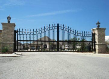 00533 Metal Gates