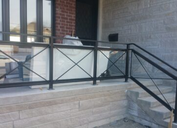 00729 Outdoor Glass Railings