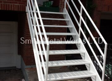 01436 Stairs Ladders
